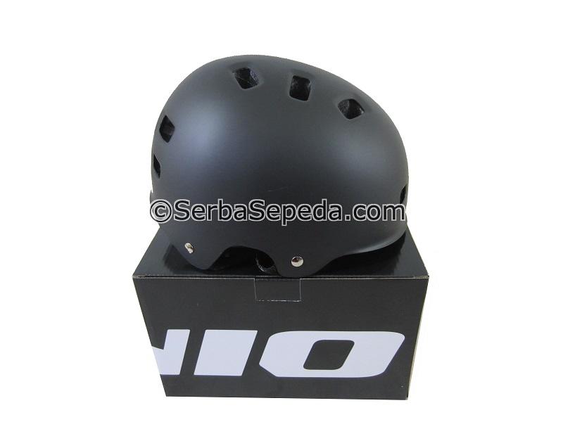 Helm Genio G-12
